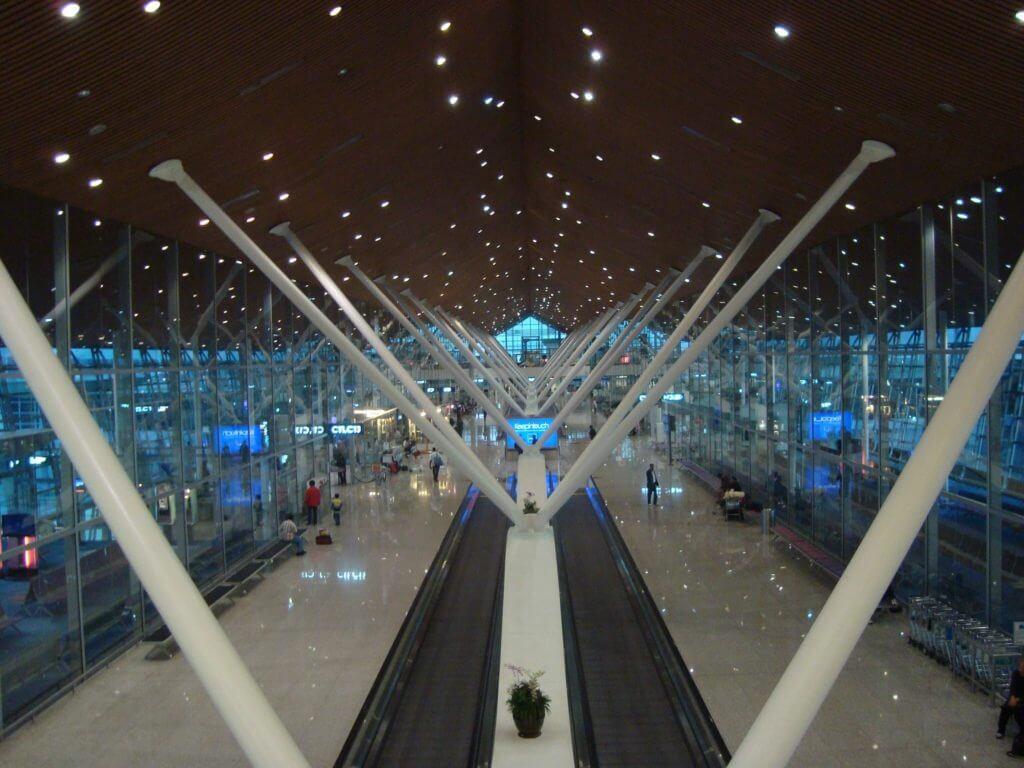マレーシアのハブ空港 クアラルンプール国際空港