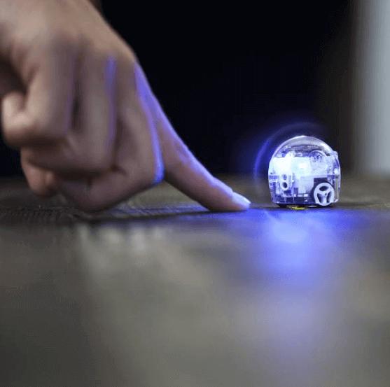 世界最小のプログラミングロボット「Ozobot」
